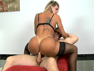 luscious tranny gets asshole screwed