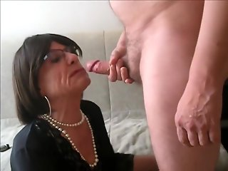mature cd throating swallowing cum