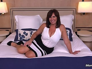 thick busty cougar milf loves cock