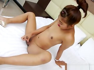 petite tgirl marjay loves pleasure milking