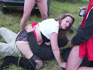 mature mother fucks holes outdoor